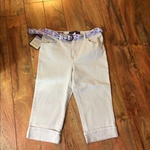 Gloria Vanderbilt denim capris with scarf belt NWT